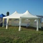 Namioty na lotnisku