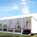 Biały namiot na wesele