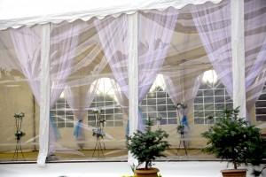 Ściana transparentna w namiocie